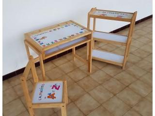 Table et chaise de l'alphabet des enfants