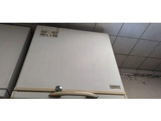 Frigo, machine à laver et congélateur