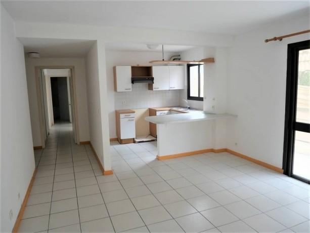 vente-appartement-f3-a-ouemo-big-1