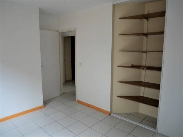 vente-appartement-f3-a-ouemo-big-5