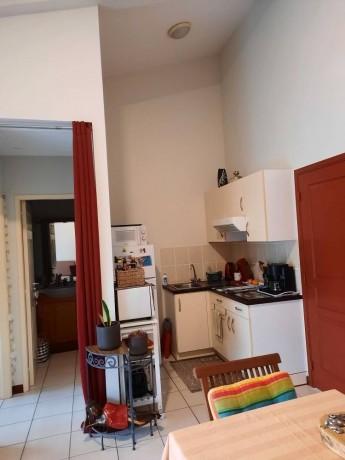 location-appartement-f2-au-6eme-km-big-5