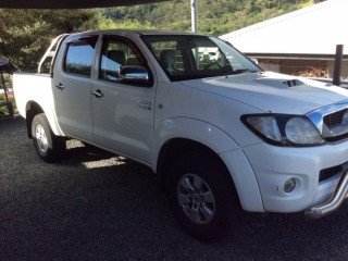 Toyota Hilux Diesel couleur blanche
